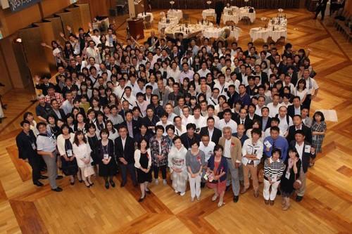 15期卒業30周年学年同窓会参加者の集合写真