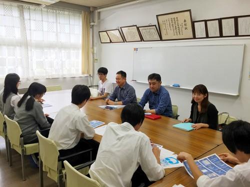 越谷北高現役生と同窓会役員との会合